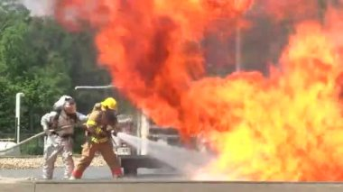 Firefights conduct a drill — Stock Video
