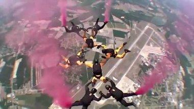 POV Go Pro materiał skoki spadochronowe — Wideo stockowe