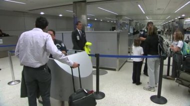 Passengers in the international airport terminal — Stock Video