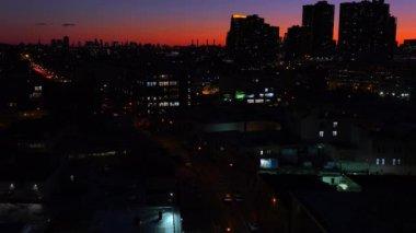 New york city in de schemering — Stockvideo