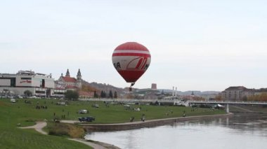 Vilnius, Lithuania, October 11, 2014 - Ascent in a balloon — Stock Video