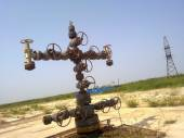 Equipment of an oil well — Stock Photo