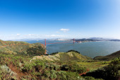 Golden Gate Bridge with California landscape — Stock Photo