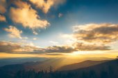 Sunset over the mountains in USA — Stock Photo