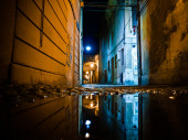 Old street in the Italian city at night — Stock Photo