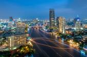 View of Chao Phraya river at night — Стоковое фото