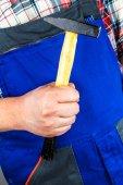 Craftsman hammer tong — Stock Photo