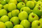 Many ripe green apples — Stock Photo