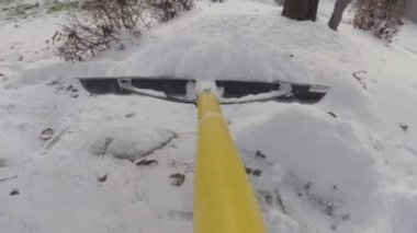 Removing snow with a shovel after winter storm — Vídeo de stock