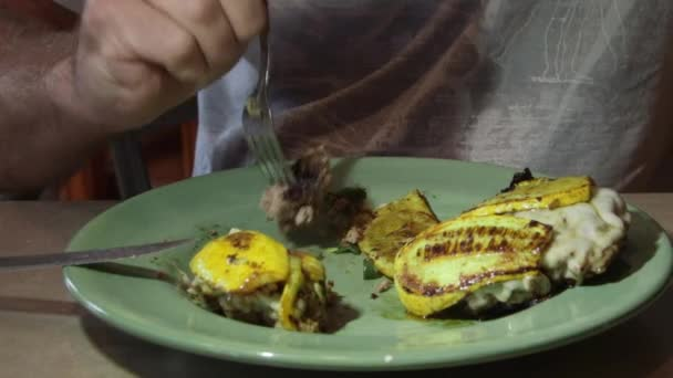 cucinare hamburger di carne macinato di manzo in padella calda su ... - Come Cucinare Hamburger Di Carne