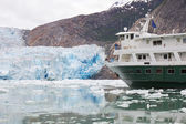 Cruise Ship in Alaska with Glacier — Stock Photo