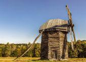 老木风车. — 图库照片