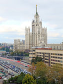 Stalin's high-rise building  on Kotelnicheskaya embankment in Mo — Stock Photo