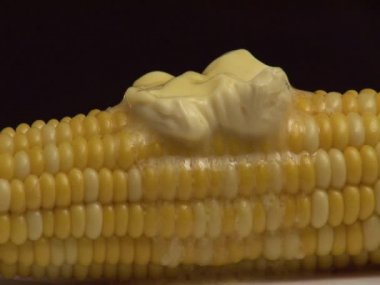 Corn with melting butter — Stock Video