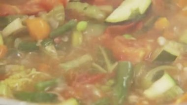 Minestrone being stirred — Stock Video