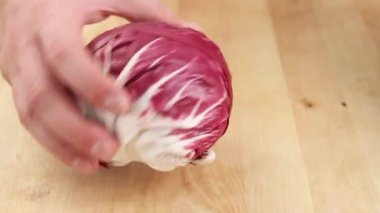 Radicchio being cleaned — Stock Video