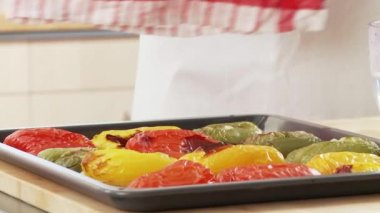 Peppers being covered with cloth — Stock Video