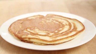 Tortitas de ser espolvoreadas con azúcar glas — Vídeo de Stock