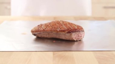 Fried duck breast — Stock Video