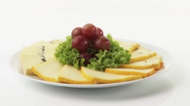 Cheese plate with grapes — Stock Video