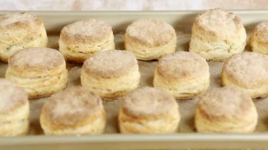 Baked buttermilk biscuits — Stock Video