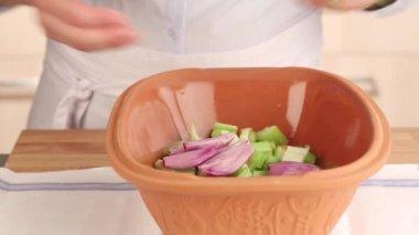 Terracotta baking dish — Stock Video