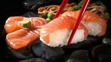 Salmon nigiri sushi — Stock Video