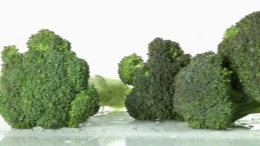 Broccoli florets laying down — Stock Video