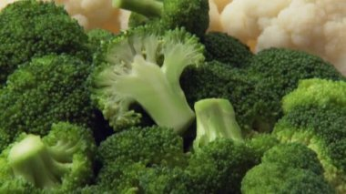 Broccoli, cauliflower and brussels sprouts — Stock Video