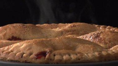 Steaming cherry pie — Stock Video