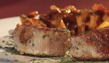 Pork fillet with parsley — Stock Video
