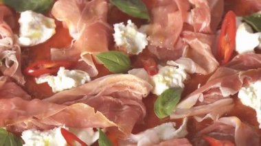 Pizza topped with ham — Stock Video