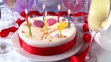 生日蛋糕的蜡烛 — 图库视频影像