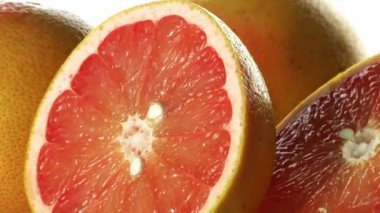 Grapefruits, whole and halved — Stock Video