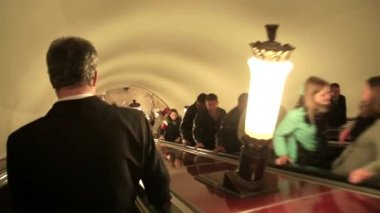 The movement of the escalator in the metro — Stock Video