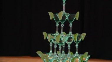 Pyramid holiday glasses — Stock Video