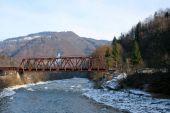 Panoramę Starego Mostu i górskiego krajobrazu na backg — Zdjęcie stockowe