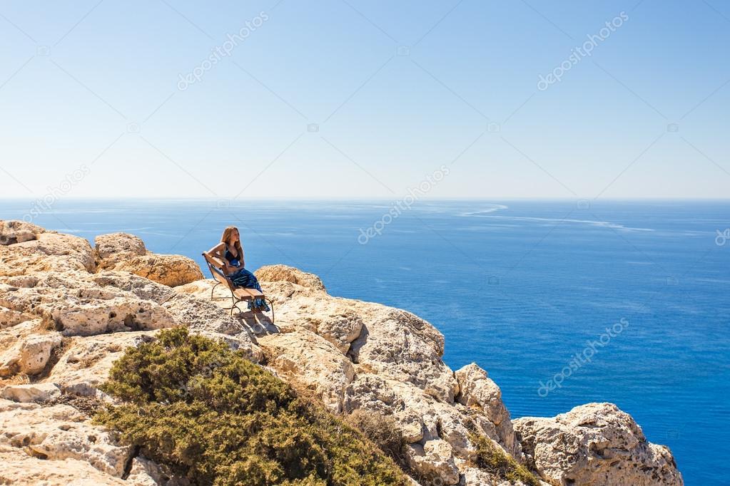 Красивые картинки про девушку и горизонт