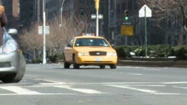 Taxi traffic in New York city — Stock Video