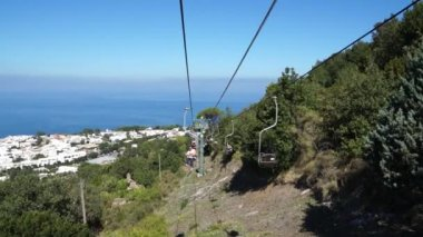 Chair lift on the Isle of Capri — Stock Video