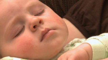 Sleeping infant 6 8 — Stock video