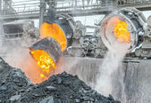 Hot steel pouring in steel plant — Stock Photo