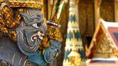 Gros plan du géant dans le temple de Phrakaew, Thaïlande — Photo