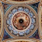 De koepel van de St. Isaac's Cathedral — Stockfoto