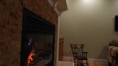 Fireplace and mantle in room — Stock Video