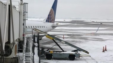 Airport after a winter storm — ストックビデオ
