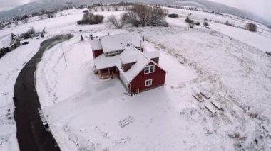 Kır evi sonra fırtına — Stok video