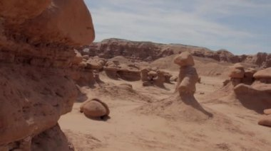 Rock formations in goblin valley state park — Stock Video