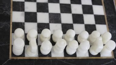 Harndcarved marble chess board — Stockvideo
