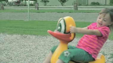 Cute girl playing at park — Stock Video